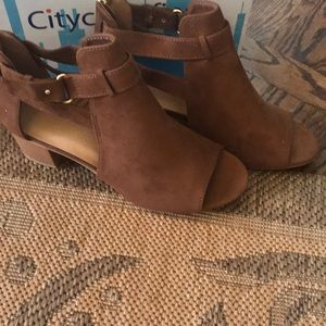 NWT City Classified bootie